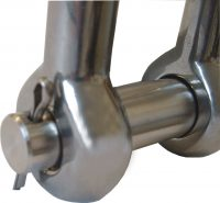 Chain Link D Shackle Close Up